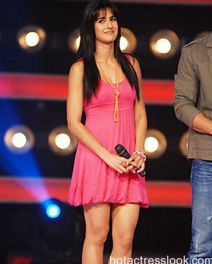 Katrina-Kaif-hot-Katrina-in-a-knee-long-pink-skirt.jpg