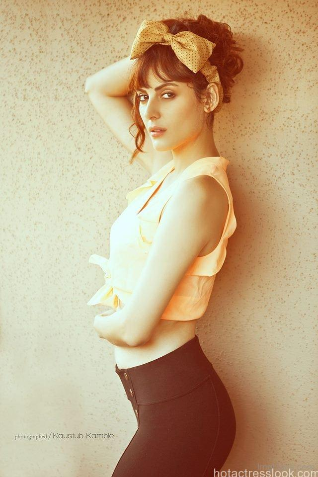 Mandana Karimi hot Looking Great