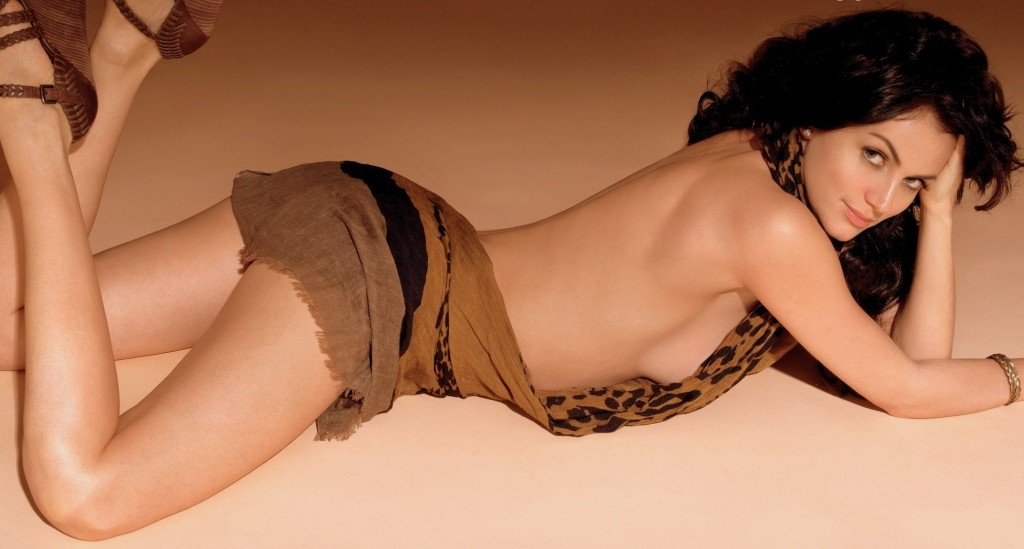 Yana Gupta Hot Pose