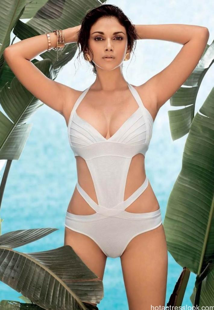 Aditi-Rao-Hydari-Bikini photo