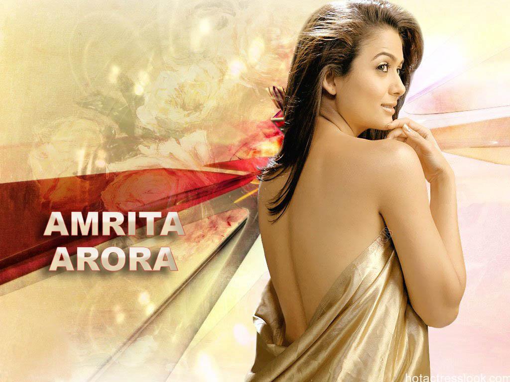 Amrita_Arora-bikini-image