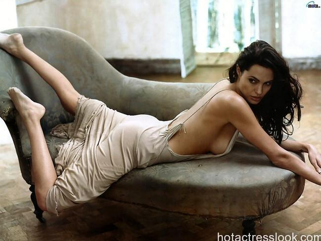 Angelina Jolie very hot images