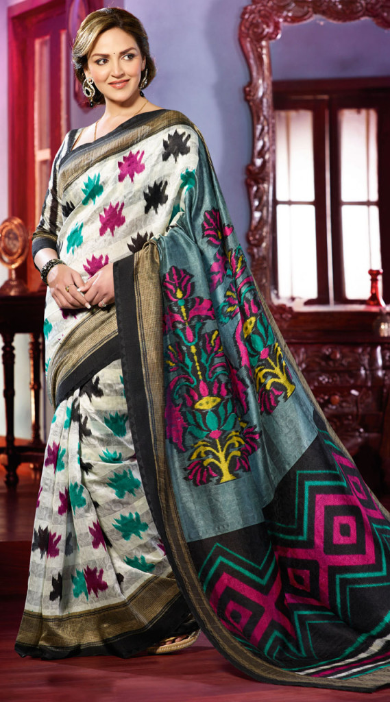 Esha-deol looks hot in saree