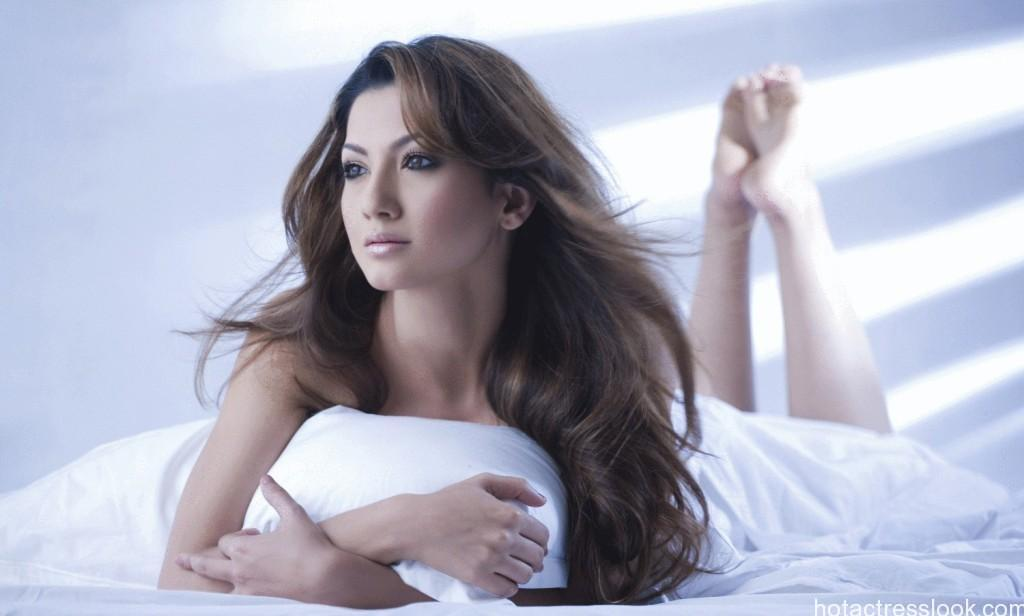 Gauhar-Khan sexy on bed
