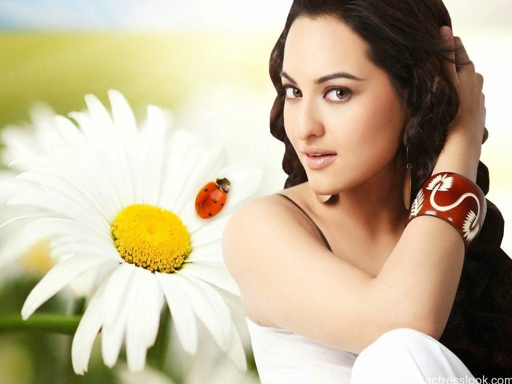 Hot Sonakshi-Sinha-