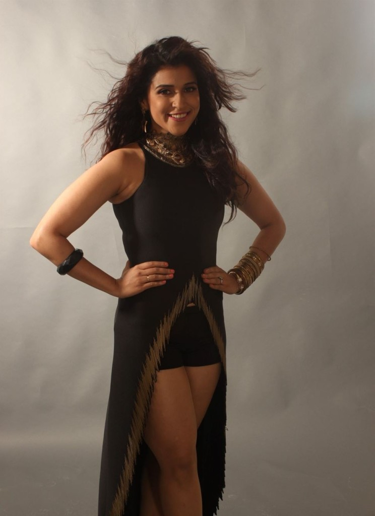 Mannara-Chopra-hot-Photoshoot