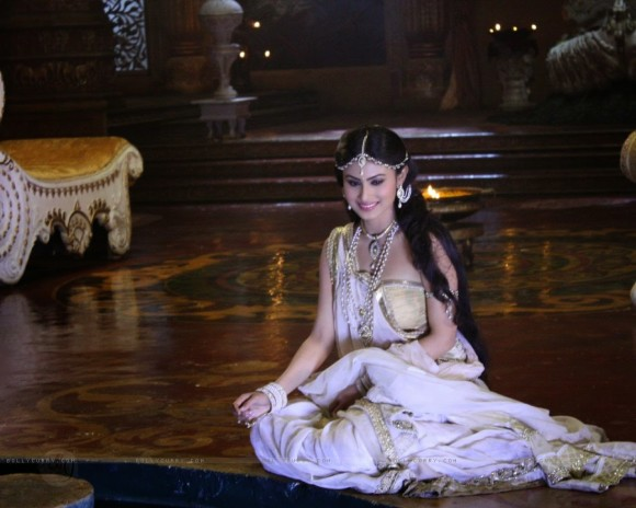 Mouni-Roy-hot-images-wallpapers