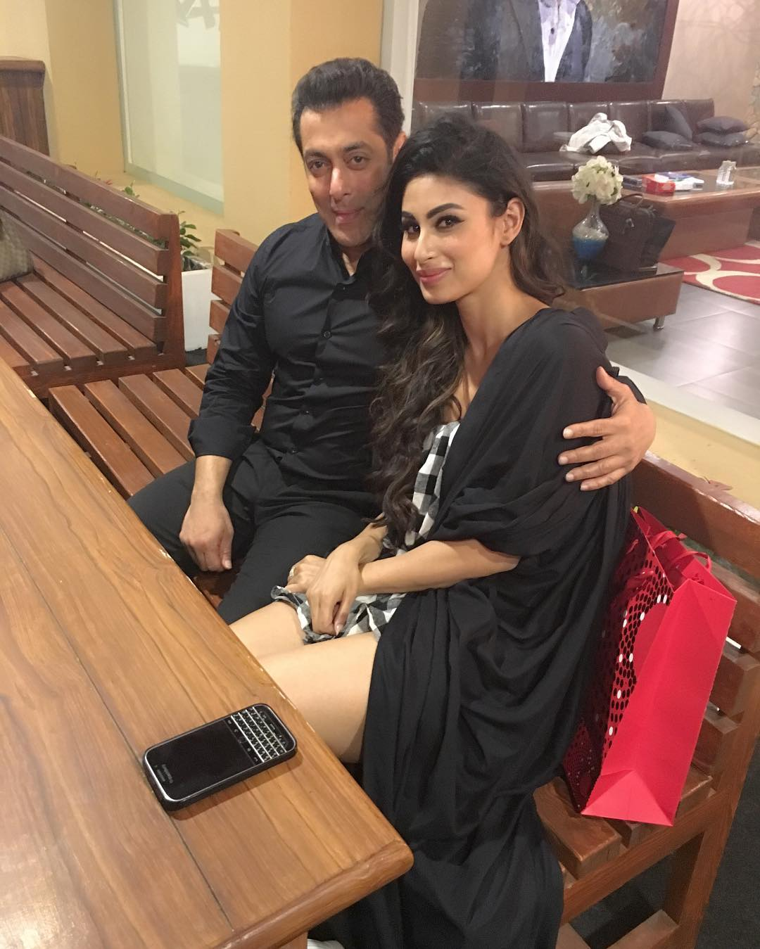 Mouni roy and Salman khan Hot pic