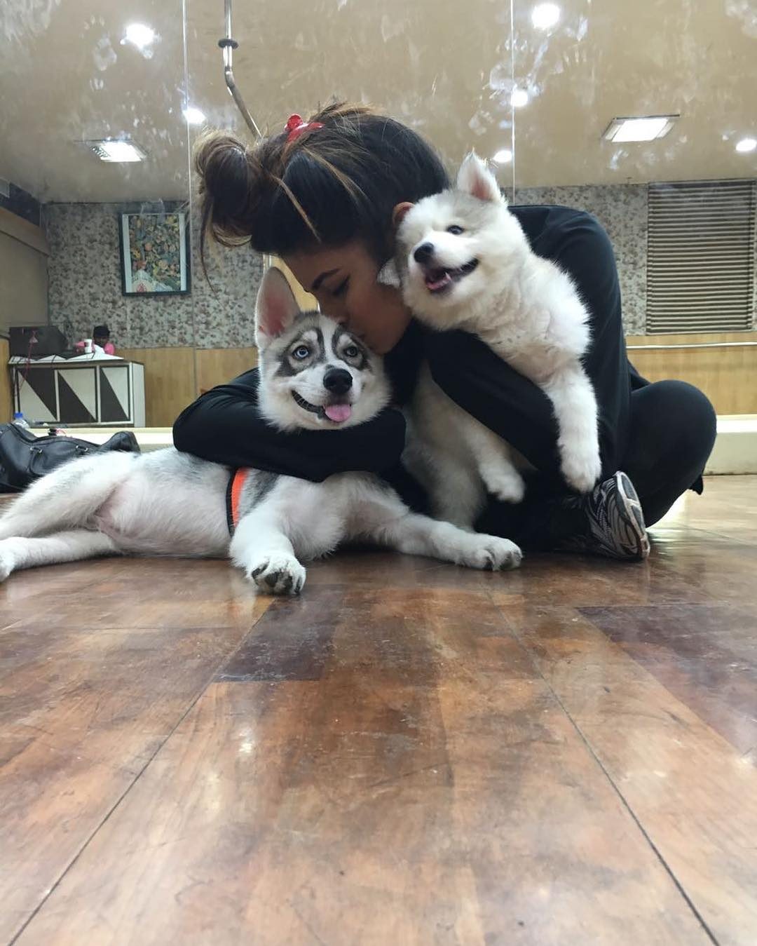 Mouni roy love with dogs