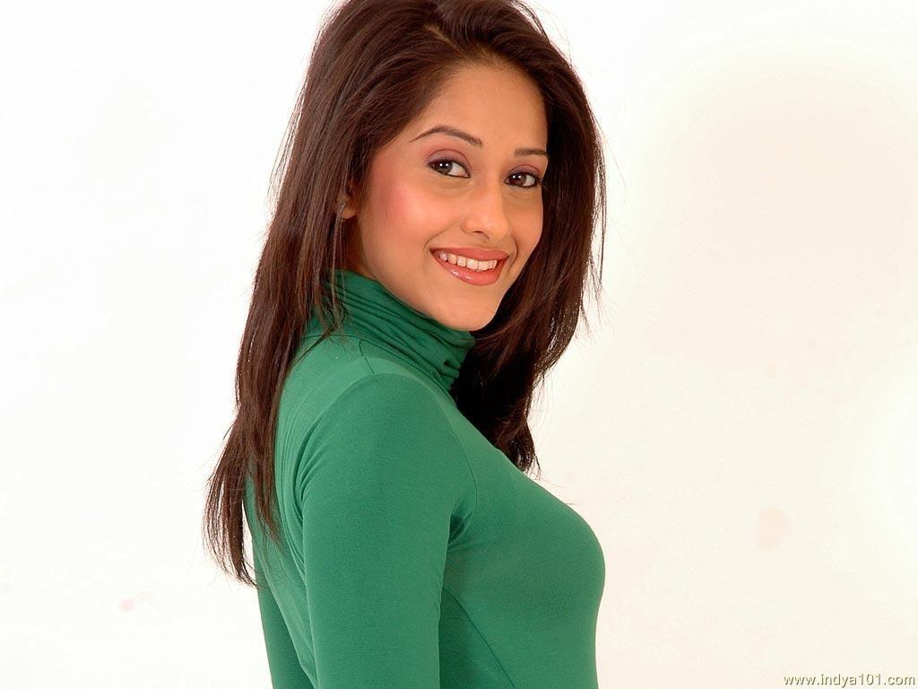 Nushrat-Bharucha cute