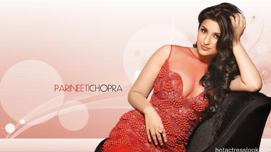 Parineeti chopra latest hot stills