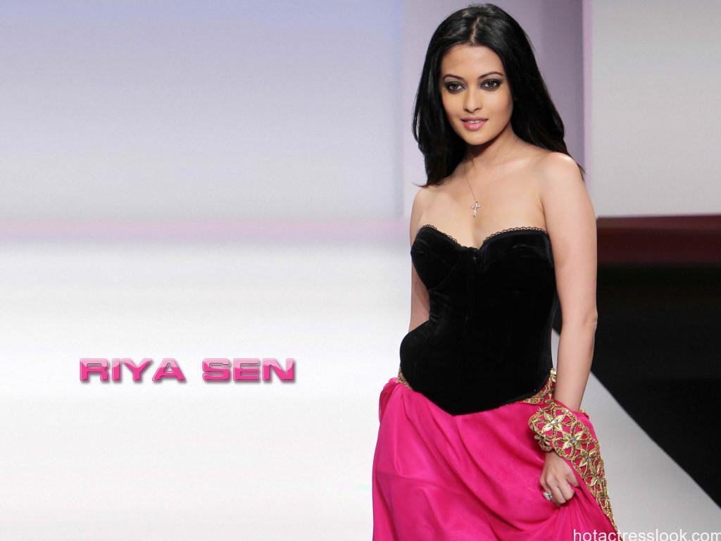 Riya-Sen-Wallpapers-HD