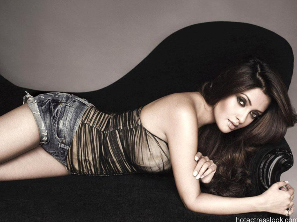 Riya-Sen-latest-2015hoot-hd-wallpapers