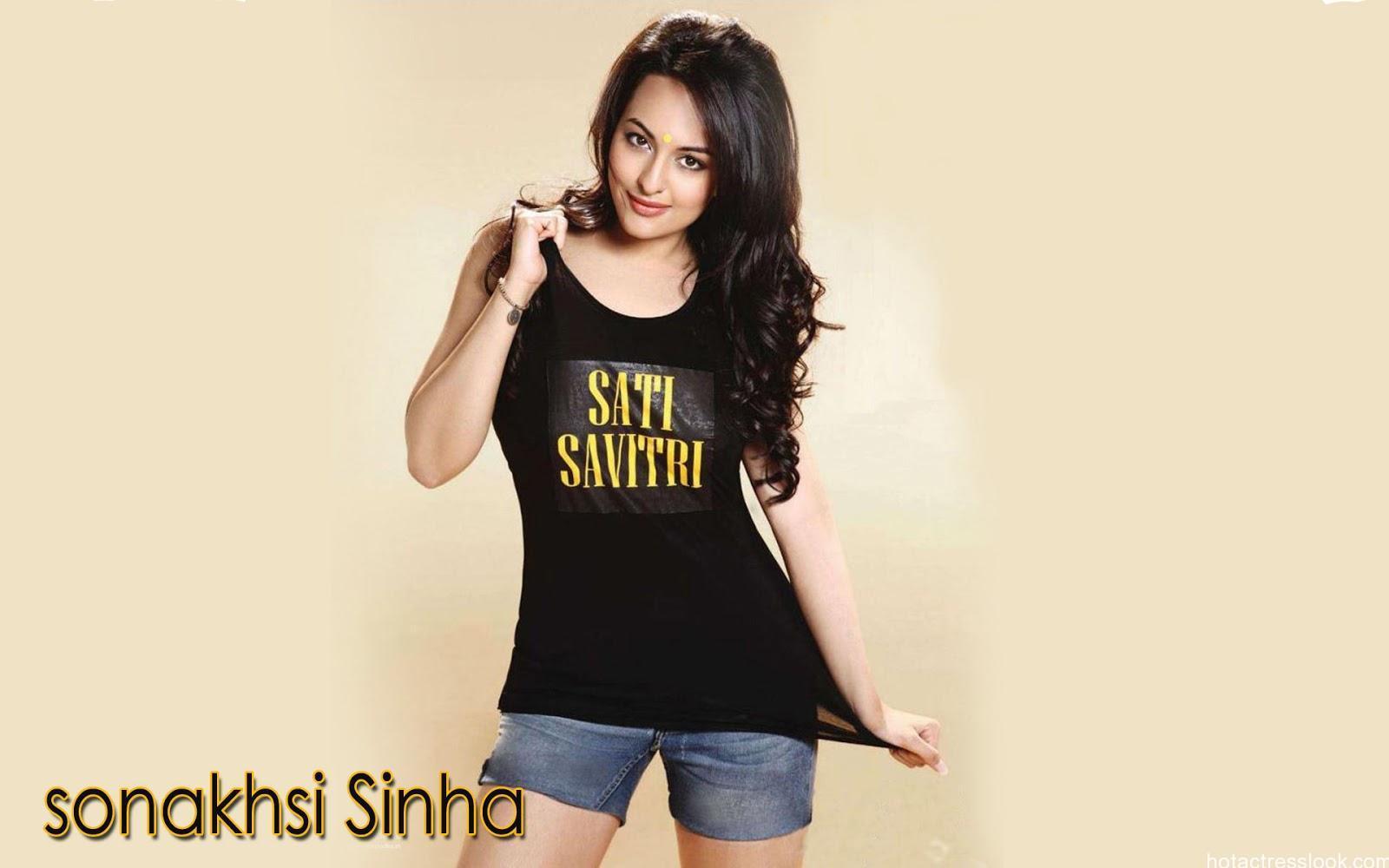 Sonakshi-Sinha looking sexy