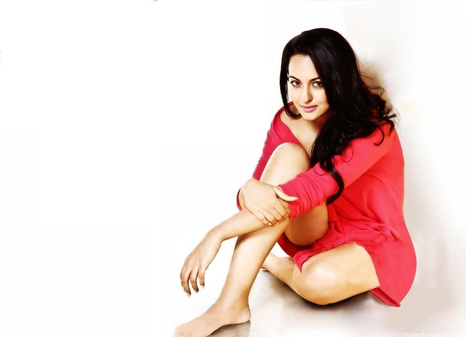 Sonakshi-Ssinha-Hot