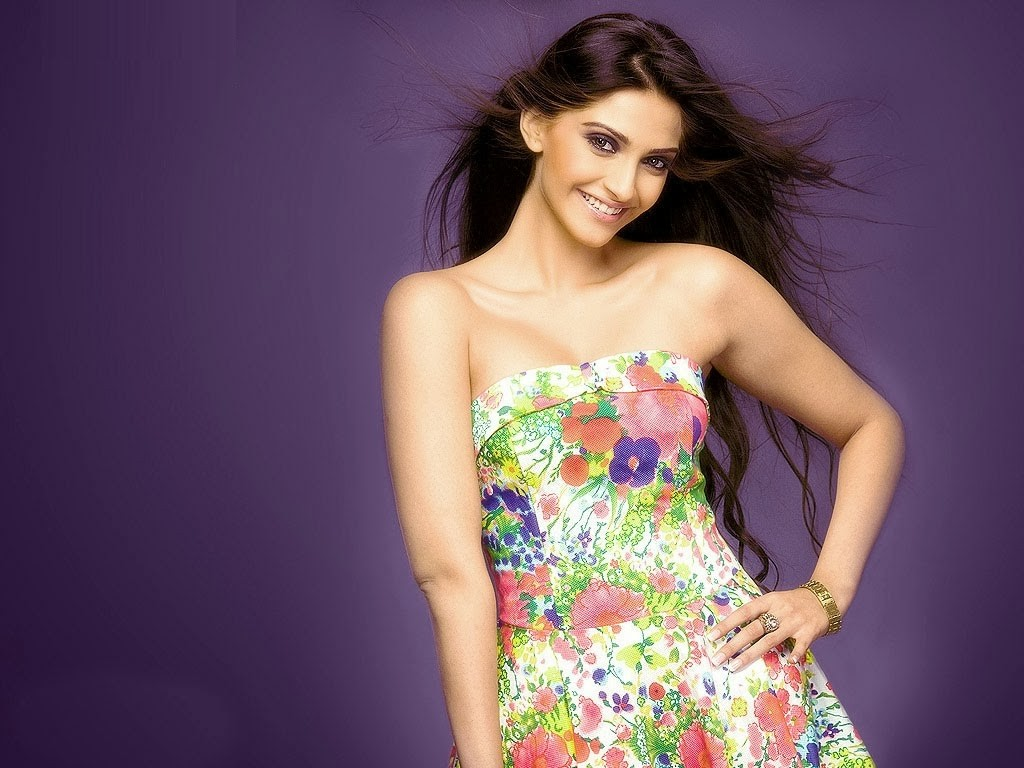 Sonam+Kapoor sexy poses