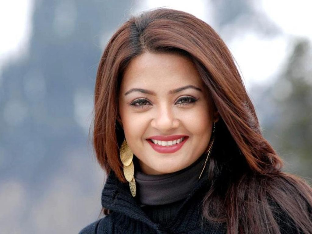 Surveen-Chawla cute