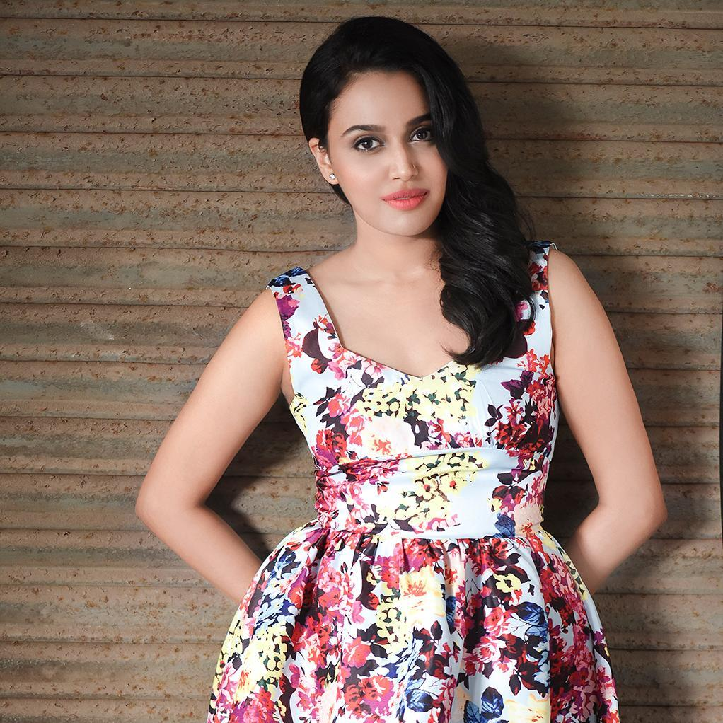 Swara Sexy Pics