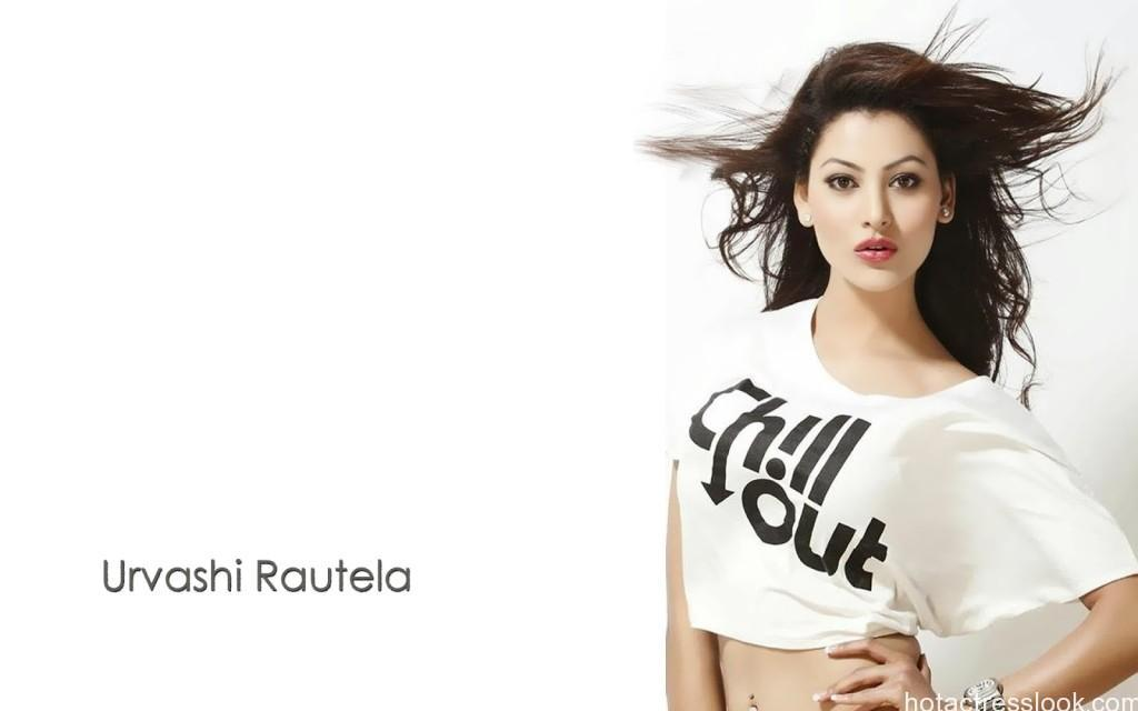 Urvashi-Rautela-HD sexy wallpapers