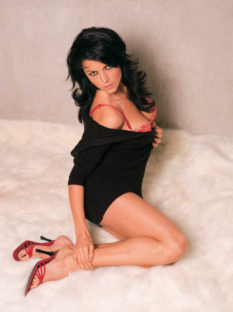 Yana Gupta Hot