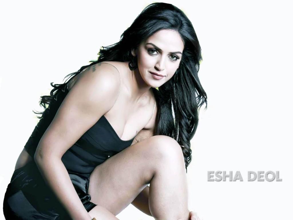esha-deol-hot-stills
