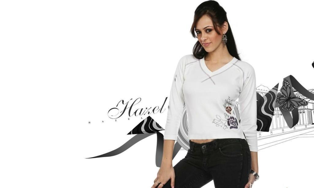hazel_keech_white_t-shirt_black_jeans