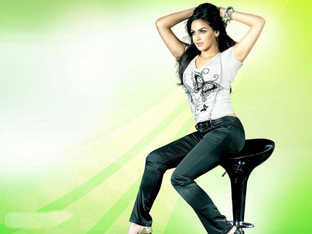 hot_esha_deol_actress