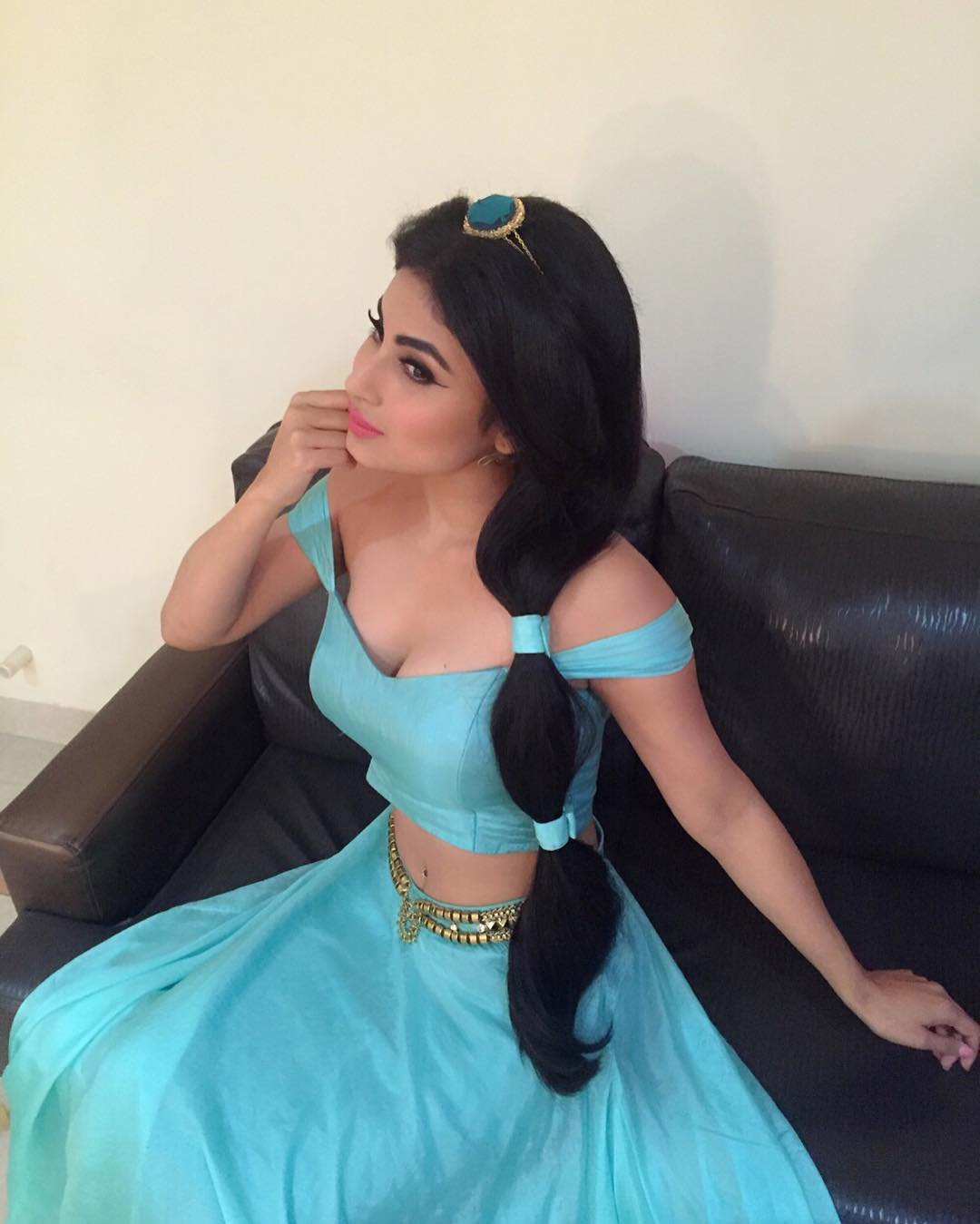 mouni roy hot direct instagram photos
