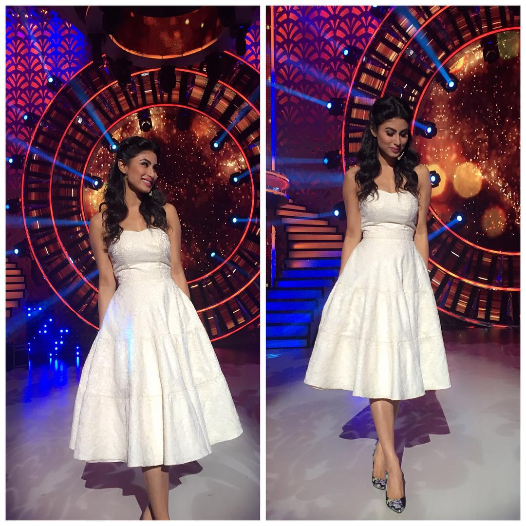 mouni roy sexy host