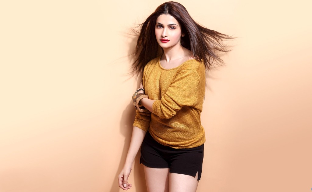prachi_desai_hot in bikini