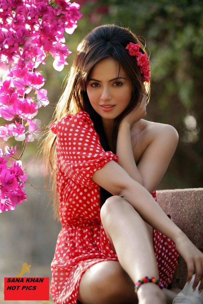 sana-khan-hot photo