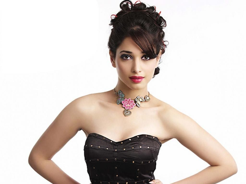 sexy-tamanna-bhatia-pics