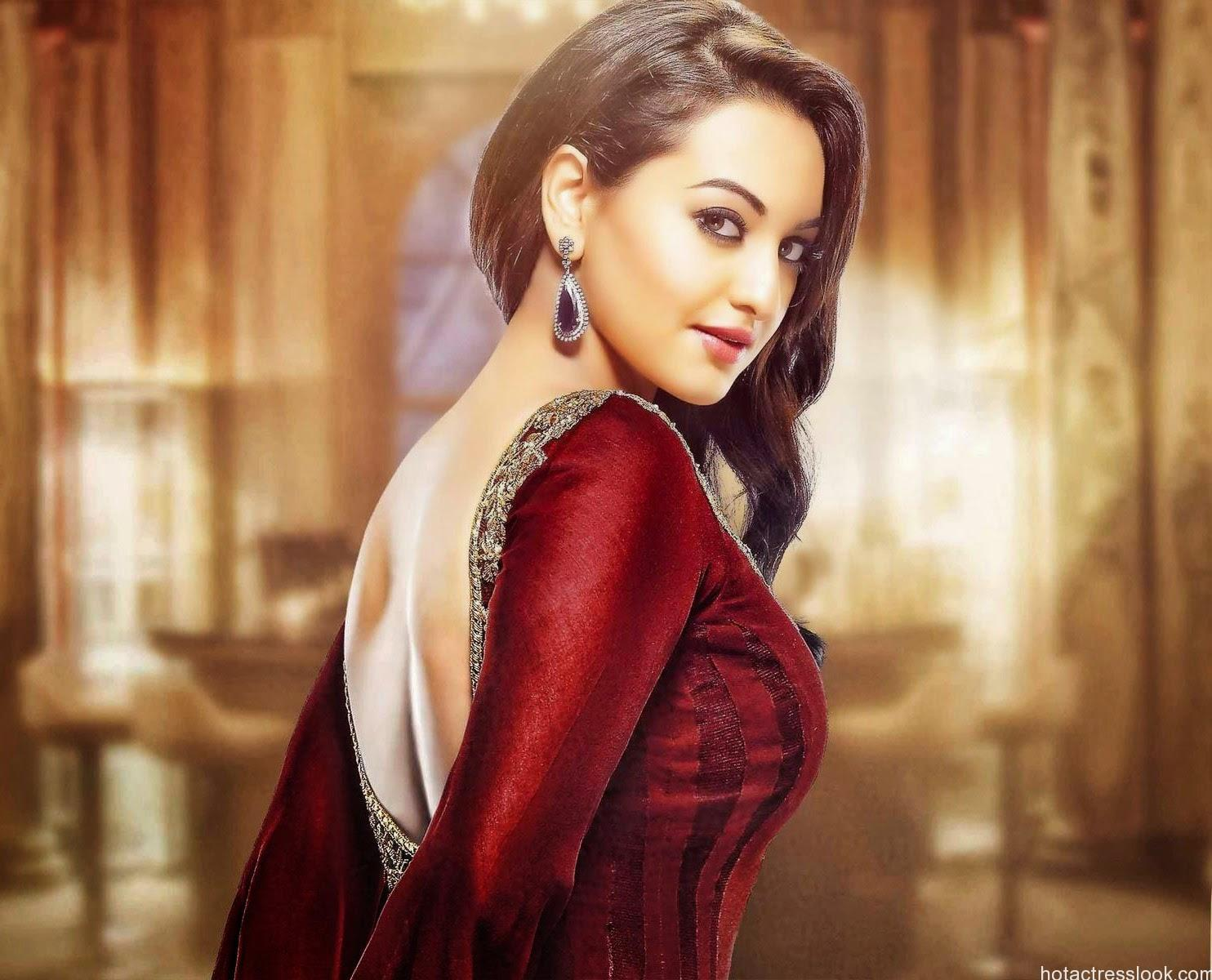 sonakshi-sinha-backless