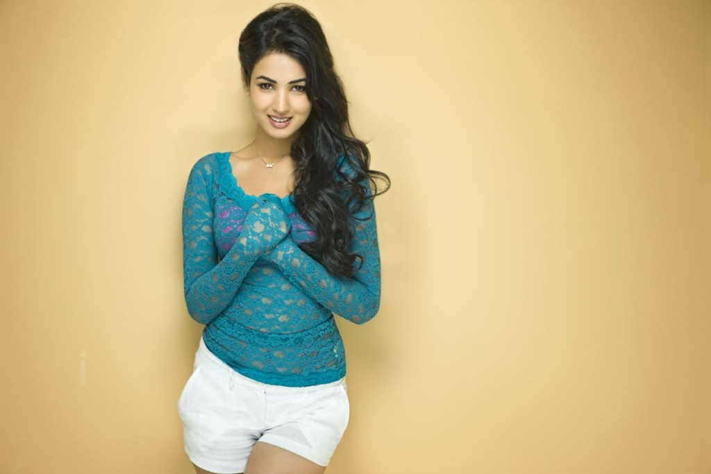 sonal-chauhan-wallpapers