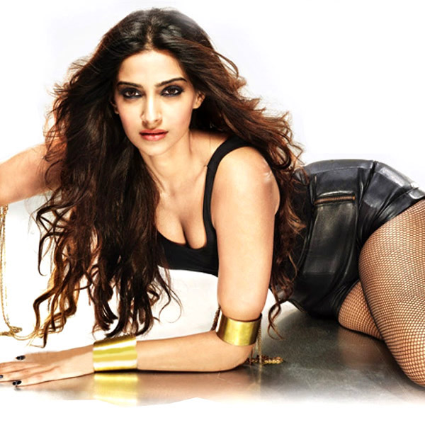 sonam-kapoor-in-a-hot-pose-for-a-photoshoot