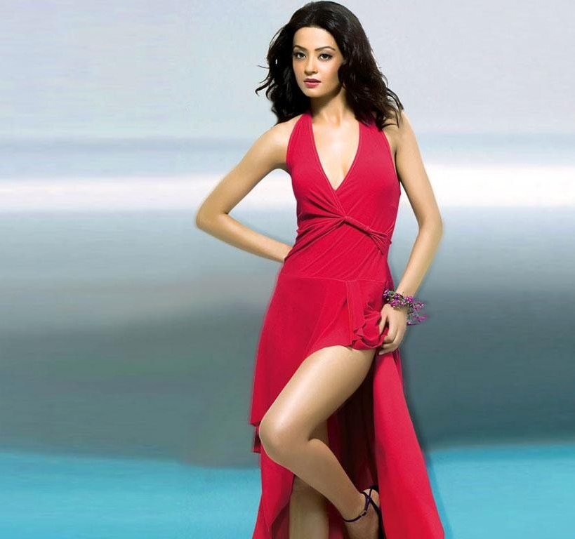 surveen-chawla-wallpapers