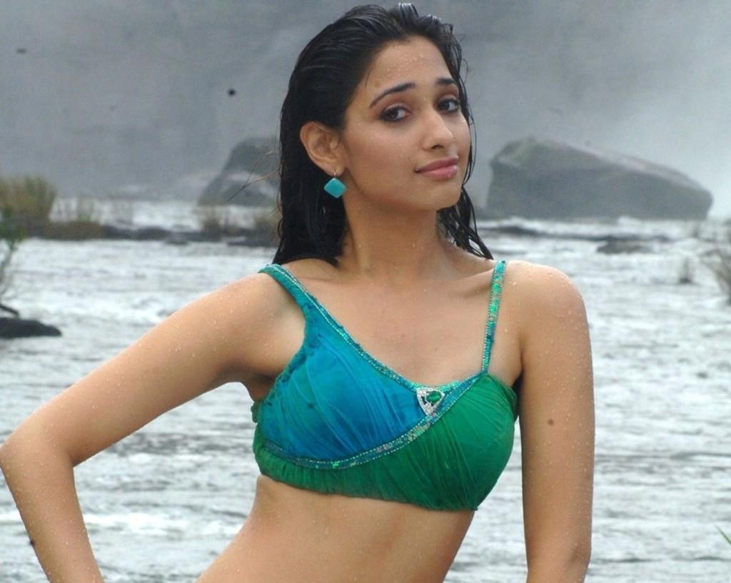 tamanna-bhatia-hot-in-bikini