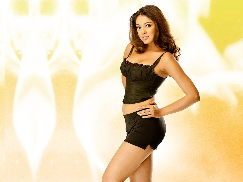 tanushree-dutta hottest wallpaper