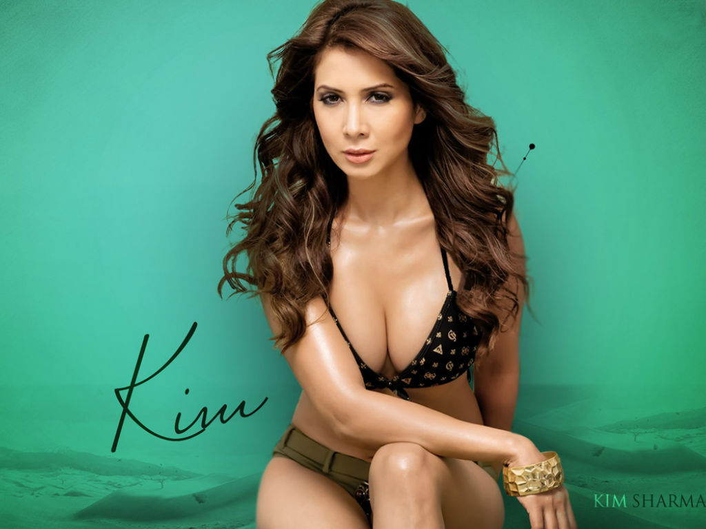 kim-sharma hot in bikini