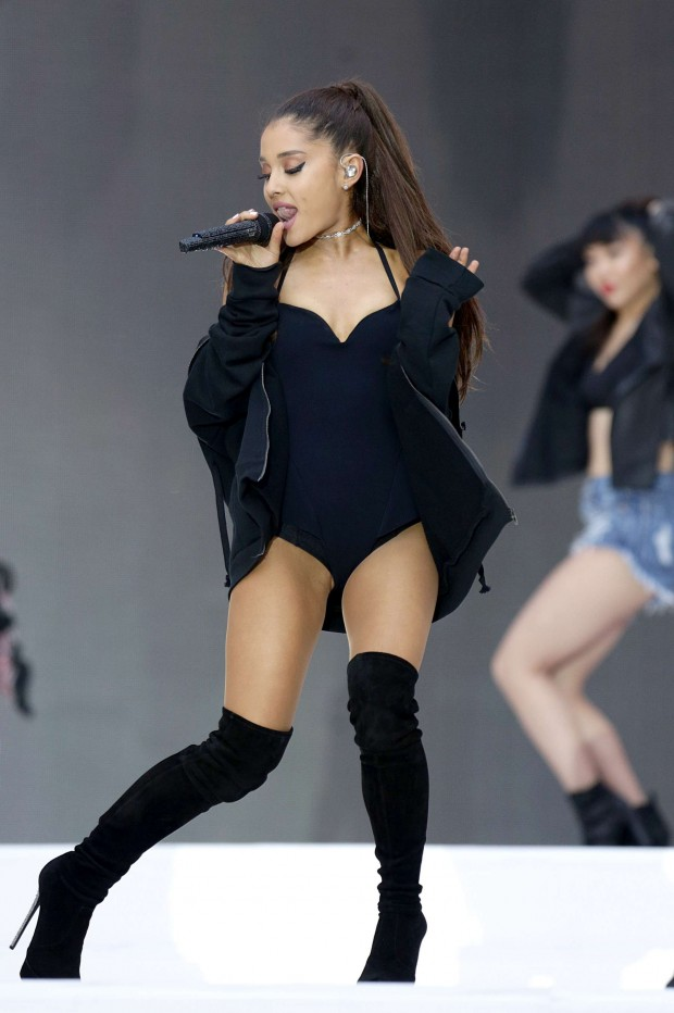 Ariana-Grande--Hot-concert-photos