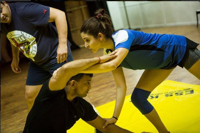 anushka sharma look in sultan movie