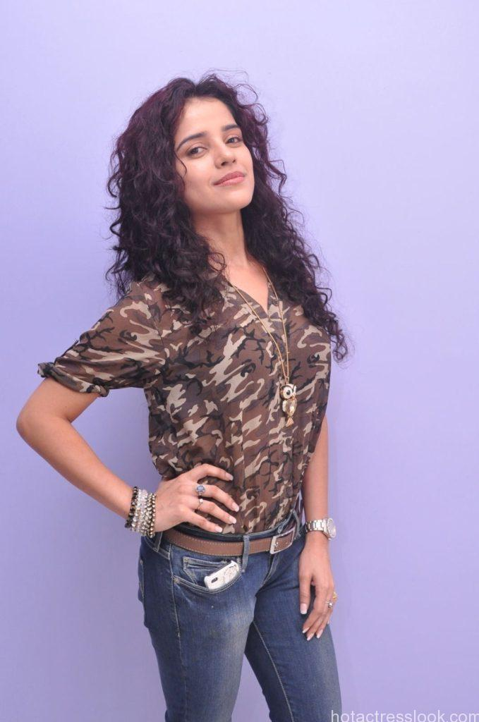 1376653743_Actress Piaa Bajpai Stills (11)