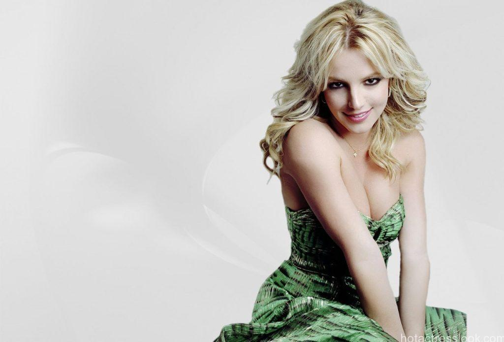 3473-celebrity_britney_spears_wallpaper