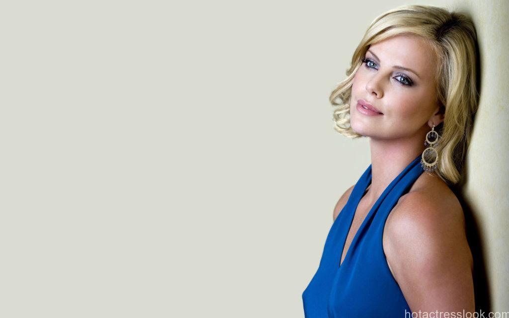 3733-Charlize-Theron-in-Blue-Dress-