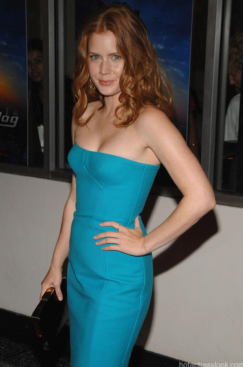 "Actress Amy Adams attends ""Underdog"" premiere at Regal E-Walk Theatre on July 30, 2007 in New York City. ""Underdog"" New York City Premiere - Arrivals Regal E-Walk Theatre New York City, New York United States July 30, 2007 Photo by Dimitrios Kambouris/WireImage.com To license this image (14590379), contact WireImage: U.S. +1-212-686-8900 / U.K. +44-207-868-8940 / Australia +61-2-8262-9222 / Germany +49-40-320-05521 / Japan: +81-3-5464-7020 +1 212-686-8901 (fax) info@wireimage.com (e-mail) www.wireimage.com (web site)"