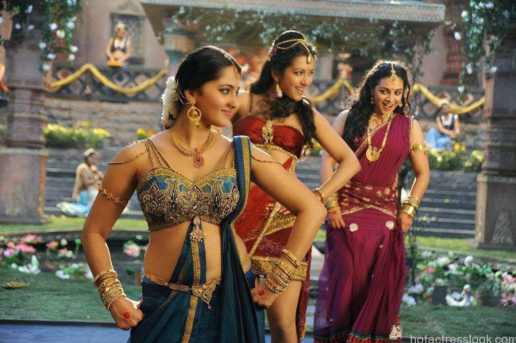 Anushka-Latest-Photos-From-Rudramadevi