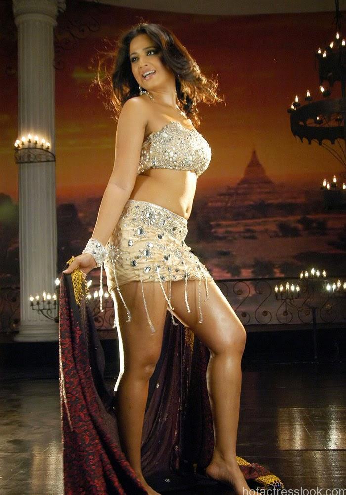 Anushka Shetty hot bikini images