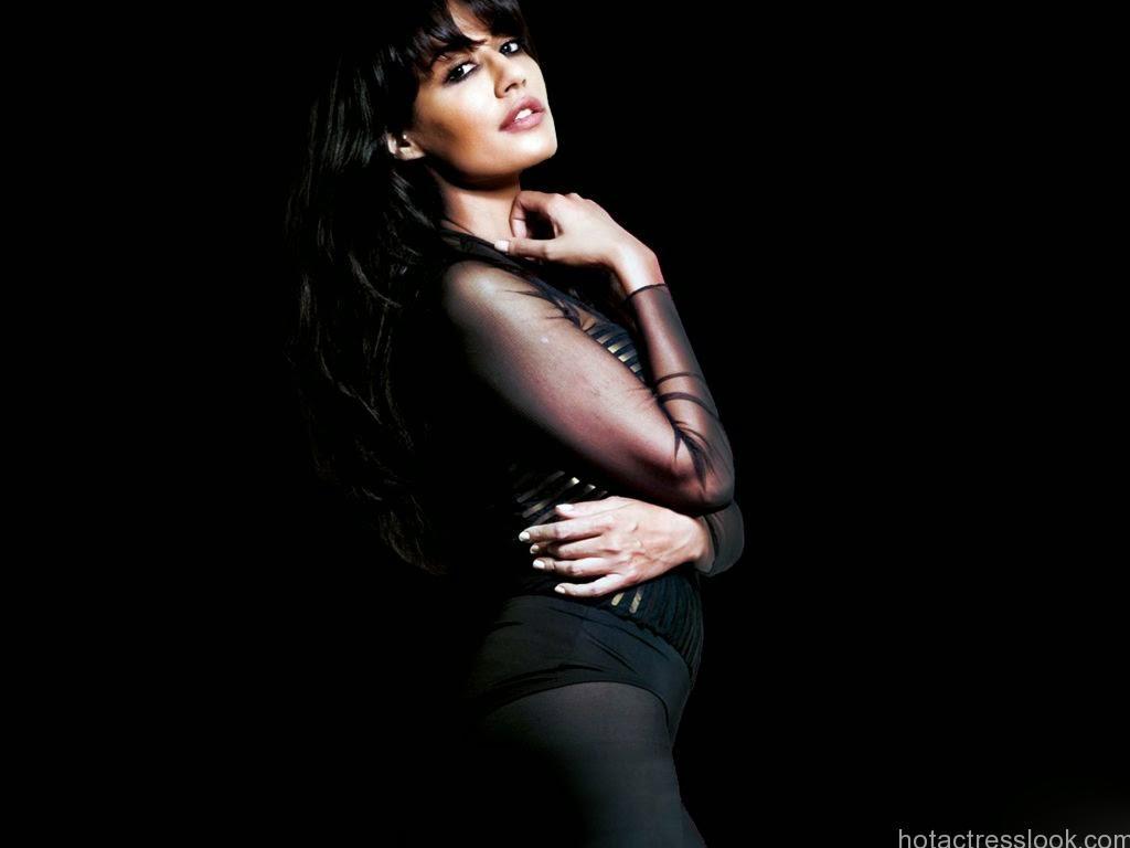 Chitrangada Singh sexy pic