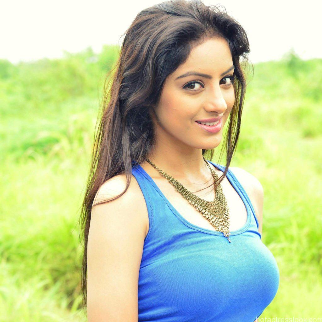 Deepika Singh Looks cute