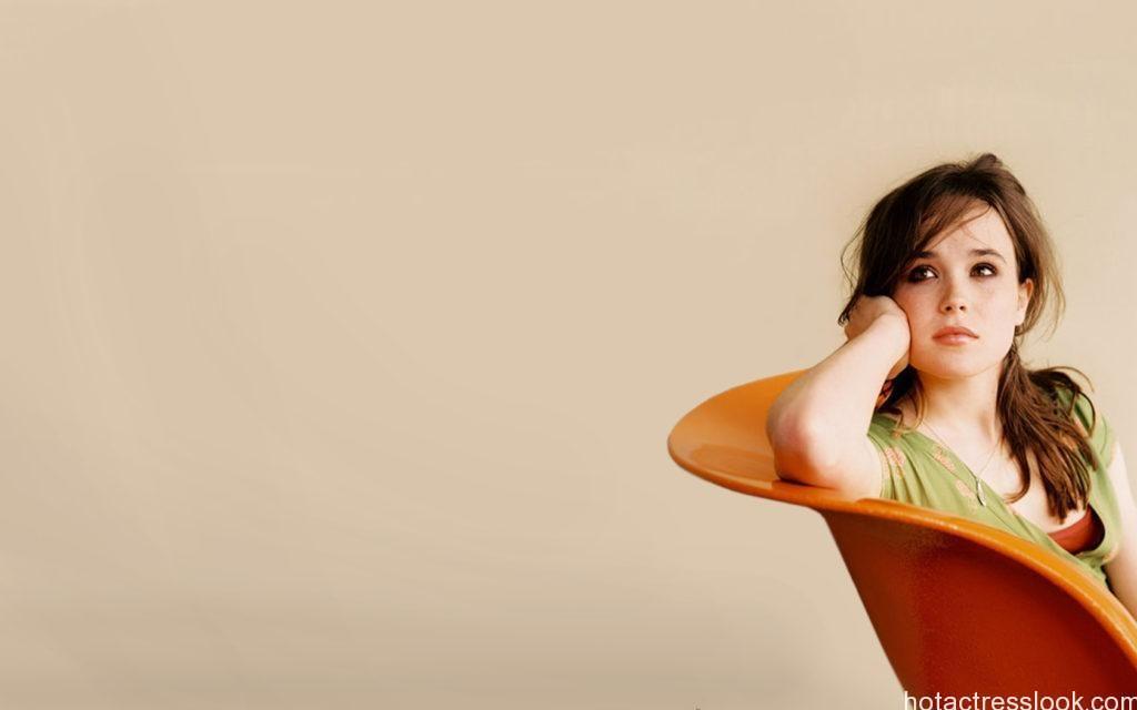 Ellen Page Hot In Bikini